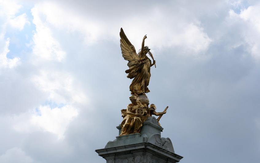 Statuen II