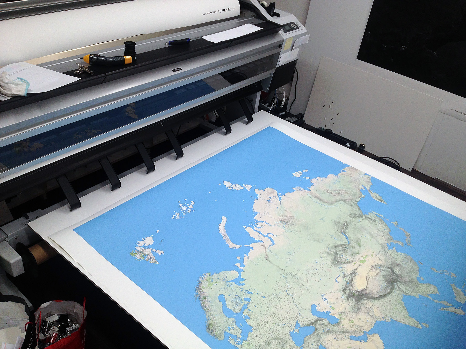 Printing a wall sized world map thats what i call a printer and a map gumiabroncs Choice Image